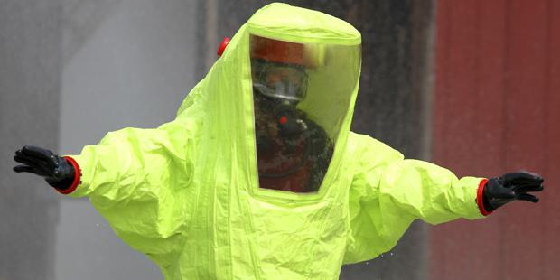 Combinaison face au risque de bioterrorisme