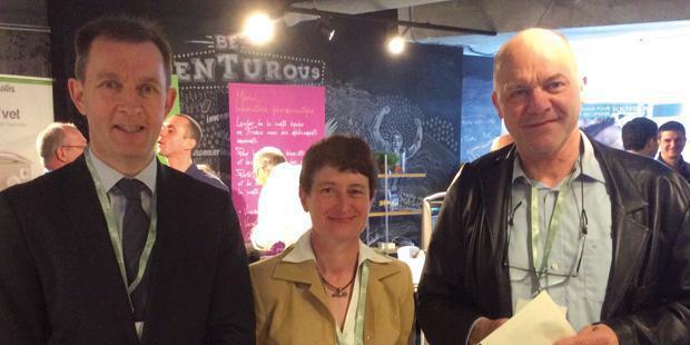 Jean-Marc Betsch et Claire Scicluna, organisateurs de la journée européenne de l'Avef, et Piet Deprez, conférencier.