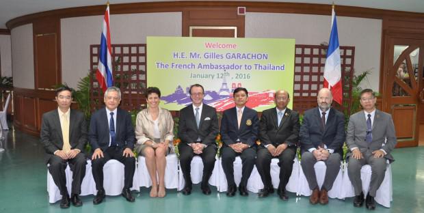 Isabelle Chmitelin, Directrice de l'ENVT, lors de l'accueil prévu par Gilles Garachon, ambassadeur de France en Thaïlande, en amont de la séance inaugurale du Master InterRisk
