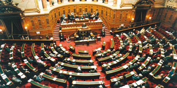 L'hémicycle du Sénat et la mission d'évaluation et de contrôle de la sécurité sociale