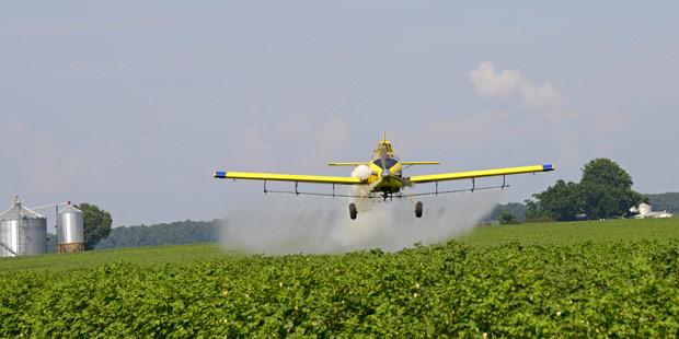 Epandage aérien de pesticides