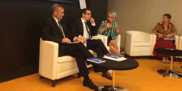 Jean-louis Hunault, président du SIMV, et les députés européens.