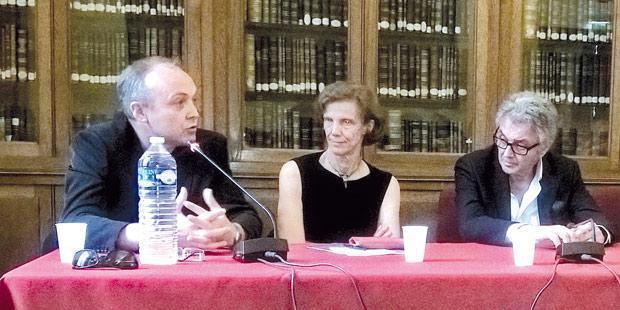 <p>De gauche à droite: Jean-Yves Madec, chef du pôle antibiorésistance à l'Anses, Anne-Claude Crémieux, vice-présidente du comité de suivi du plan d'alerte sur les antibiotiques, et Antoine Andremont, professeur à l'hôpital Bichat-Claude-Bernard.</p>
