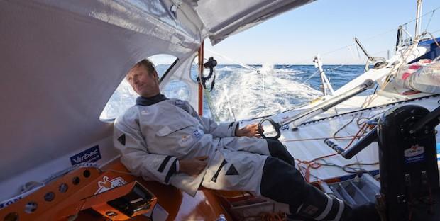 Vendée Globe Challenge 2016 2017, Jean Pierre Dick à la manœuvre sur StMichel-Virbac