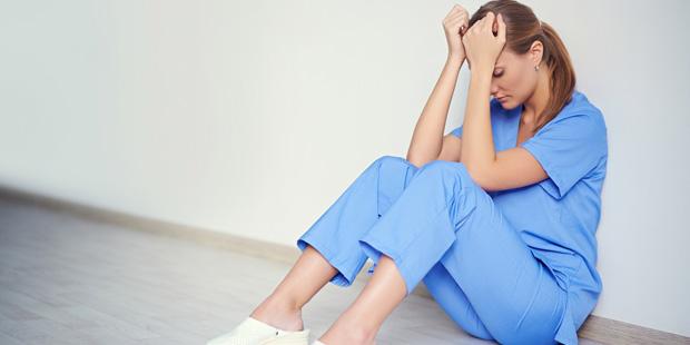 Personne en situation de détresse au travail