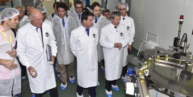 Alain Rousset, Président du Conseil régional d'Aquitaine, Manuel Valls, Marc Prikazsky, PDG de Ceva Santé Animale.