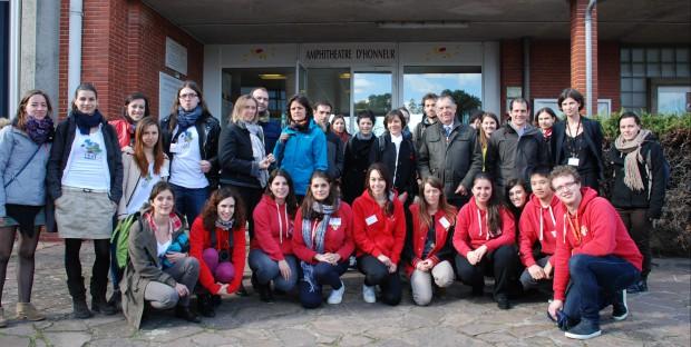 Les conférenciers et les membres du comité d'organisation du 2nd Symposium étudiant «Ensemble pour la Biodiversité»
