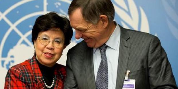 Bernard Vallat, Directeur général de l'OIE, en compagnie de Margaret Chan, Directrice générale de l'OMS