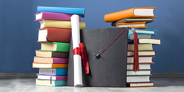 Livres et diplôme