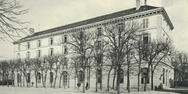 Le bâtiment des élèves